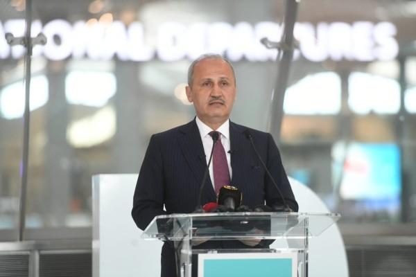 Bakan Turhan, İstanbul Havalimanı'na taşınma sürecinin detaylarını açıkladı